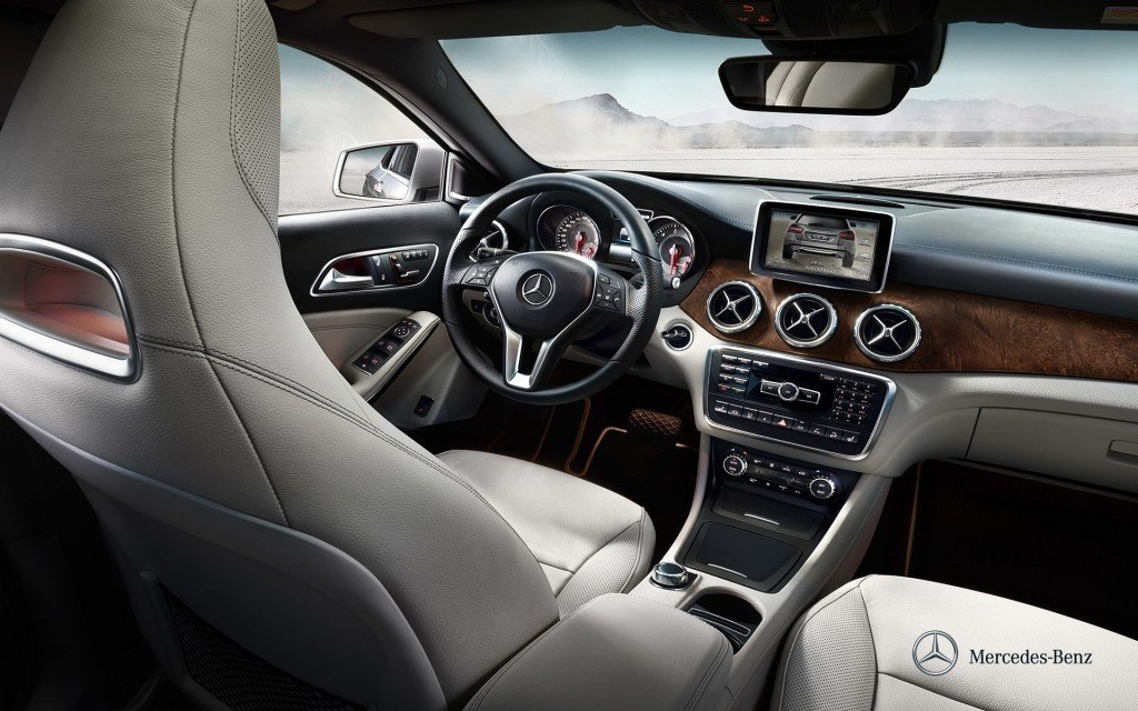 mercedes-benz-gla-x156_wallpaper_10_1920x1200_10-2013